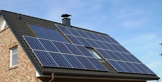 Do solar panels emit radiation?